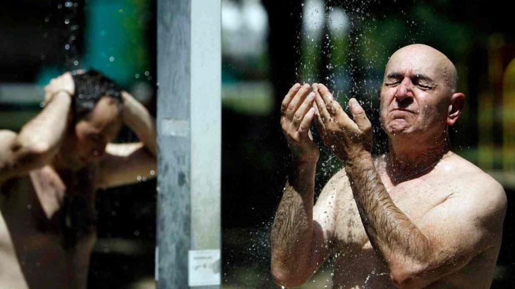 Принятие душа и купание в ванной по разному влияет на организм