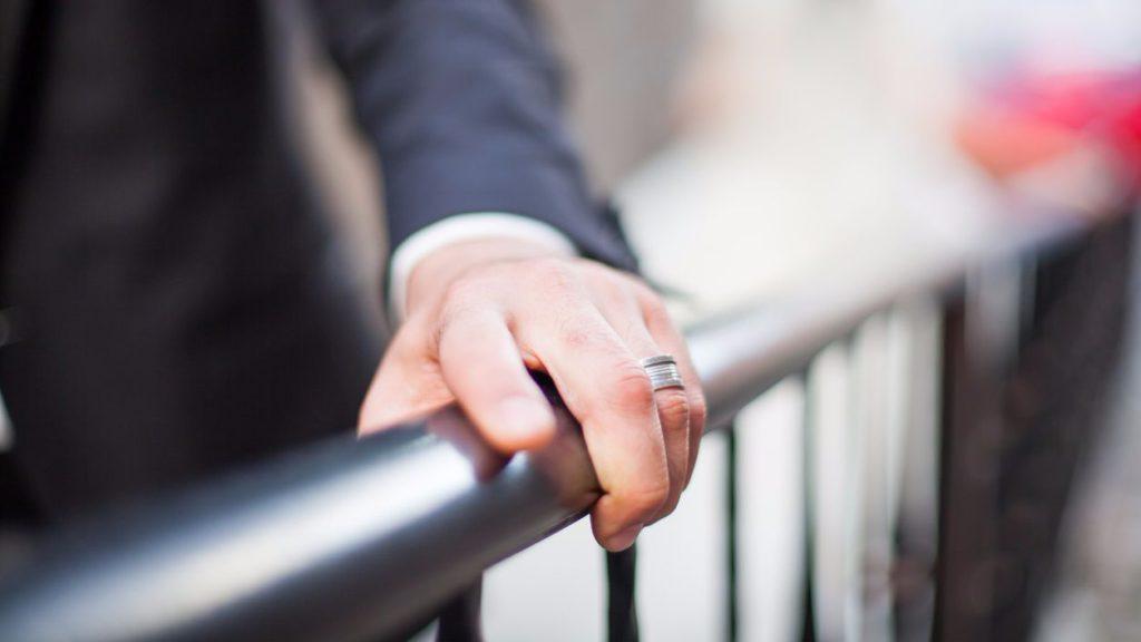 Чаще всего намерения женатого мужчины на стороне ограничиваются временным флиртом