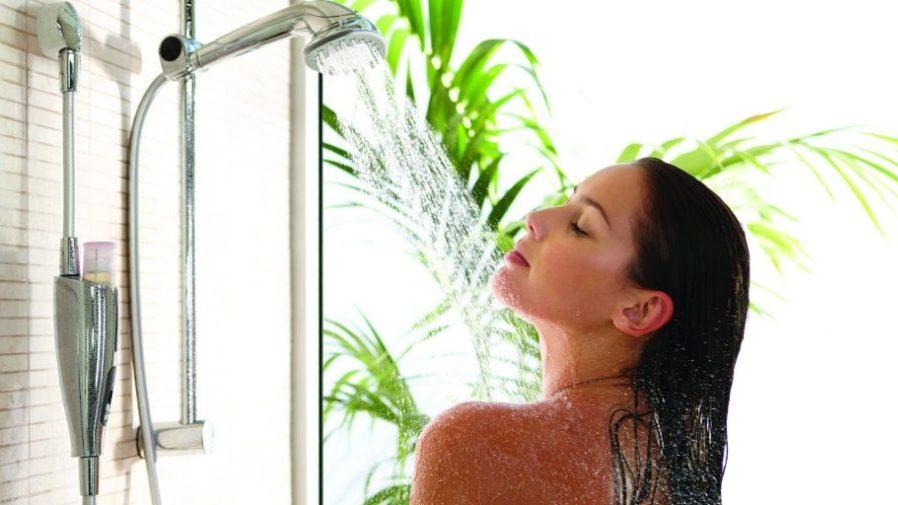 Особенно полезным для здоровья является контрастный душ
