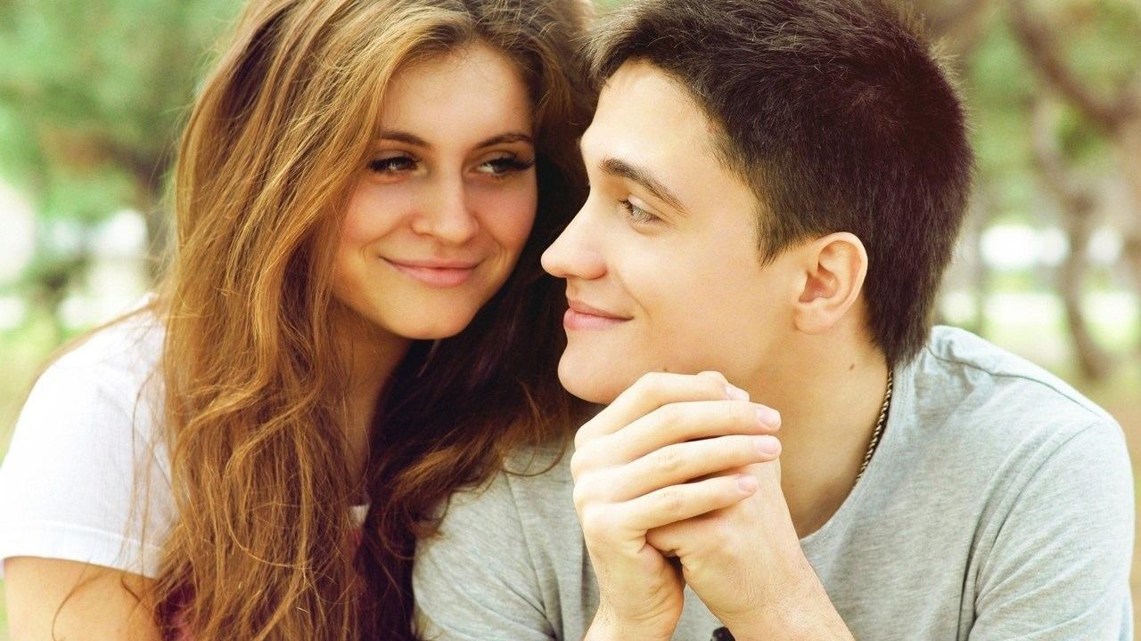 По каким признакам можно узнать о влюбленности парня?