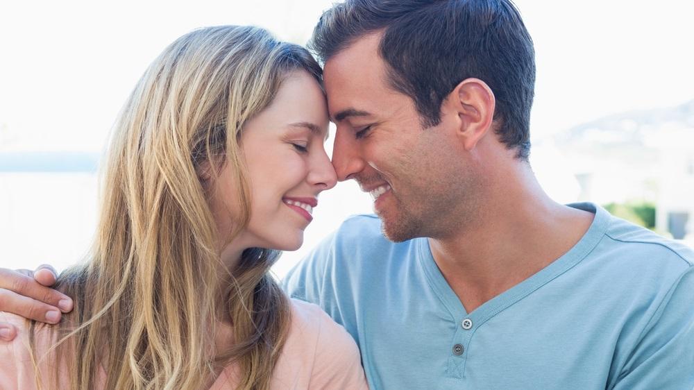 Какая идеальная разница в возрасте между женщиной и мужчиной?