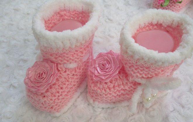 Мастер-класс по вязанию спицами бесшовных розовых пинеток-башмачков